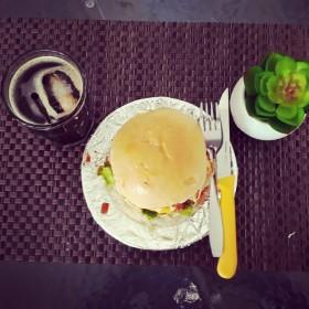 Nairasa coffe n burger