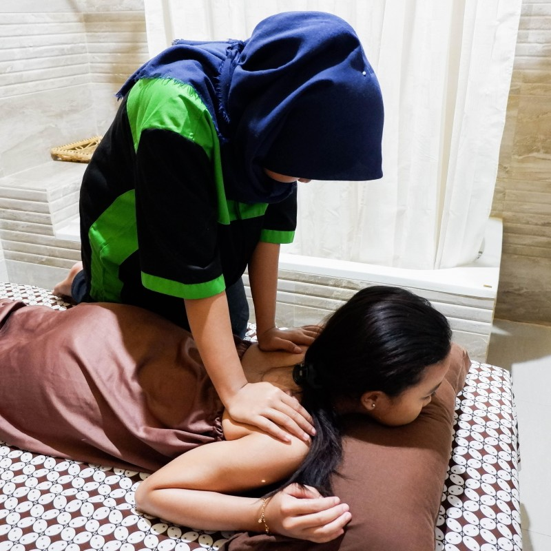Massage / PIjat Urut